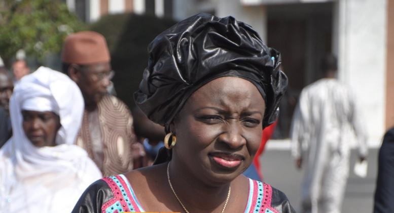 """Aminata Touré crache sur le Sénat: """"je ne vois pas l'utilité de cette instutition"""""""