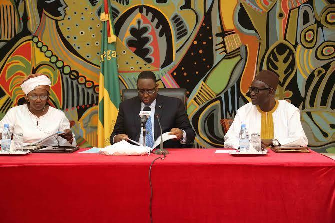 Macky Sall s'en prend au code des marchés publics et amadoue le privé national