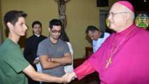 Le pape limoge un évêque