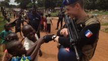 Les gendarmes de l'Eufor patrouillent avec la police centrafricaine. RFI / Laurent Correau