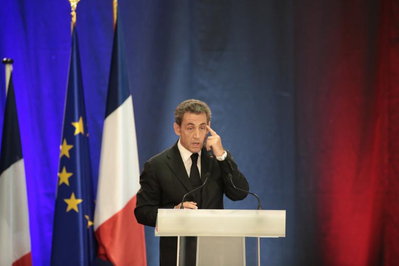 Nicolas Sarkozy obligé de rembourser le mobilier de l'Élysée saccagé par ses chiens?