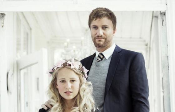 Une Norvégienne de 12 ans se marie avec un homme de 37 ans: Une campagne choc contre le mariage forcé