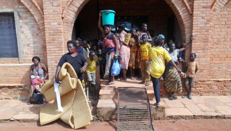 Centrafrique: six casques bleus blessés vendredi au nord de Bangui