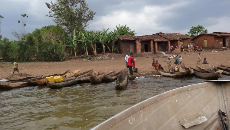 Petit port de pêche burundais sur le lac Rweru où ont été enterrés quatre cadavres. RFI / Esdras Ndikumana