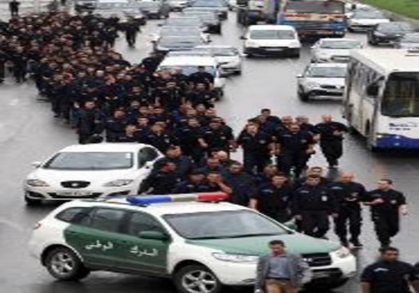 Algérie: fin des manifestations de policiers à Ghardaïa et à Alger