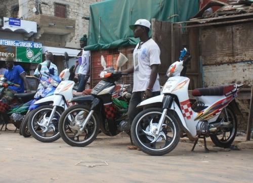 Ebola-Vélingara : sept conducteurs de moto arrêtés à la frontière avec la Guinée pour trafic de passagers