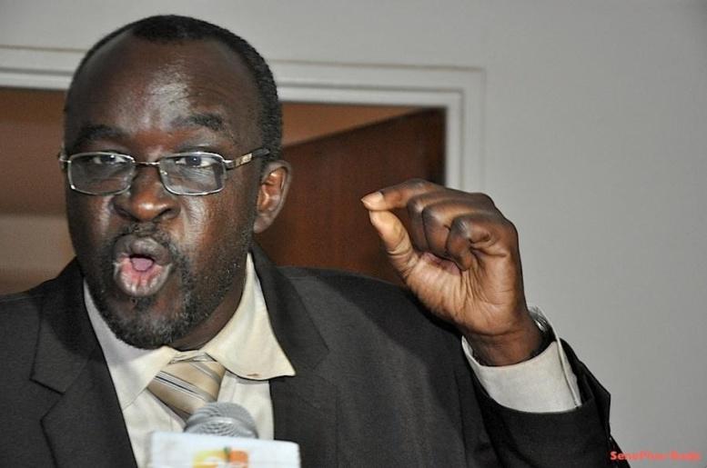 Mbodiéne : Moustapha Cissé Lô en distributeur de billet de banque, défie Macky Sall