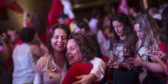 Brésil : Une victoire à l'arraché pour Dilma Rousseff