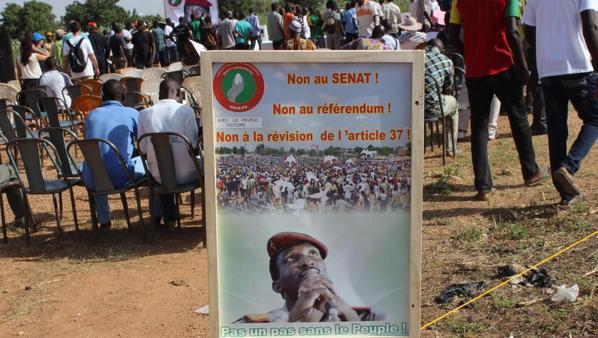 Livetweet: Suivez les manifestions au Burkina Faso : l'heure de la fin pour Blaise Compaoré?
