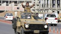 Un convoi de peshmergas kurdes traverse Erbil (capitale du Kurdistan irakien) pour rejoindre Kobane, le 28 octobre 2014. REUTERS/Azad Lashkari