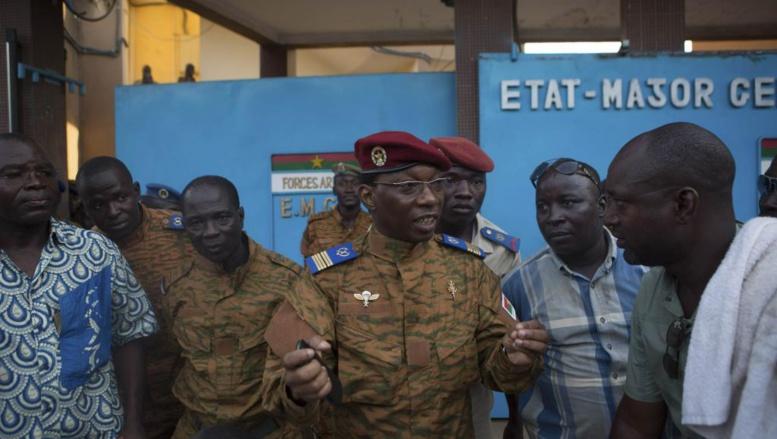 Direct-Burkina : Blaise Compaoré annonce sa démission, la vacance du pouvoir