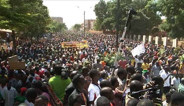 Crise au Burkina Faso : l'Organisation Jeunesse Africaine avertit l'Armée et vote la société civile