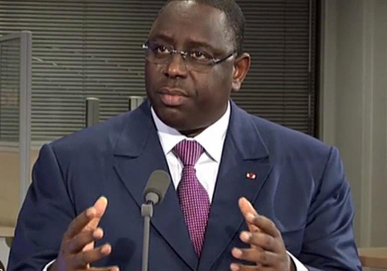 Ebola-«Nous allons progressivement lever les restrictions au niveau de la circulation des frontières », le président Sall