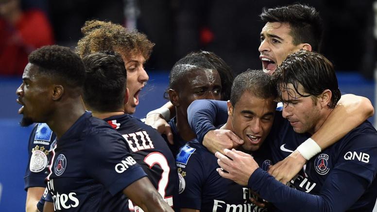 Ligue 1 - 13e journée : Le PSG bat l'OM (2-0) et revient à un point des Marseillais au classement