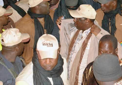 Meeting de l'opposition : Le Sen adopte la posture de Macky Sall