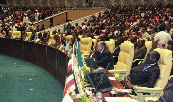 Transition au Burkina Faso: l'UA félicite le président Sall et son groupe de contact