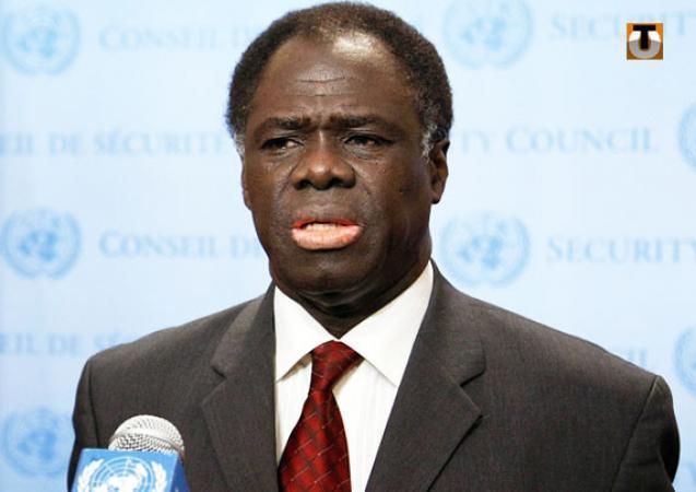 Transition assurée au Burkina Faso: Michel Kafando a prêté serment