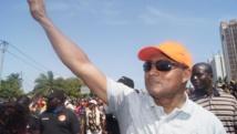 Jean-Pierre Fabre, président de l'Alliance nationale pour le changement, dans la manifestation à Lomé, le 21 novembre. AFP PHOTO/ EMILE KOUTON