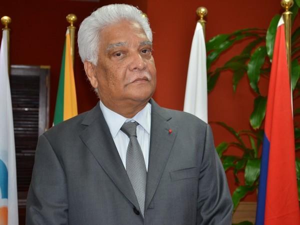 Sommet de la Francophonie: Maurice appuie son candidat, Jean Claude de l'Estrac