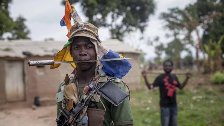 Milicien anti-balaka de la ville de Bossembele au nord-ouest de Bangui, le 24 février 2014. REUTERS/Camille Lepage