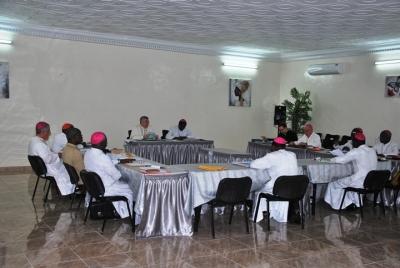 Les Evêques annoncent le thème du Carême 2015 et se forment au management