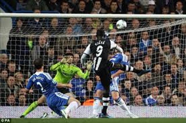 Newcastle : Papiss Cissé fait tomber Chelsea