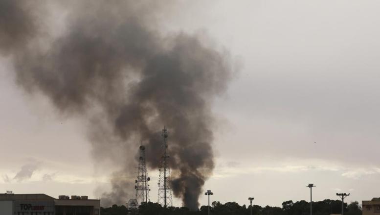 Combats à Benghazi le 11 décembre 2014 entre milices et forces pro-gouvernementales. REUTERS/Esam Omran Al-Fetori