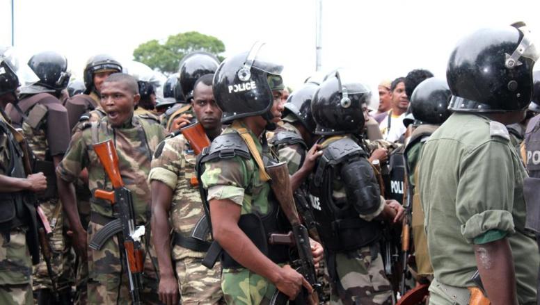 Malgré une mobilisation importante d ela police malgache, les violences n'ont puêtre évitées. AFP PHOTO/GREGOIRE POURTIER