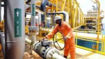 Au départ, les deux syndicats n'exigeaient que la réintégration de leurs représentants qui avaient été licenciés par les compagnies pétrolières.