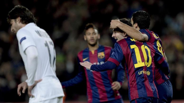 Esp. : carton du Barça, doublé de Messi