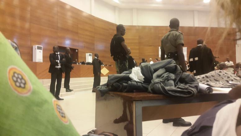 Direct procès: Karim à la barre pour une liberté provisoire