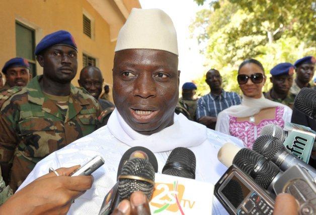 Après avoir échappé au putsch: Jammeh se fait escorter par des soldats tchadiens