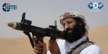 Anouar al-Awlaki, dans une capture vidéo rendue publique par SITE. L'idéologue d'Aqpa a été tué le 30 septembre 2011 lors d'une attaque de drone menée par l'agence américaine de renseignement CIA.