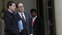 François Hollande (D) recevra à l'Elysée des représentants d'une quarantaine de pays avant de se diriger vers la marche républicaine. REUTERS/Philippe Wojazer