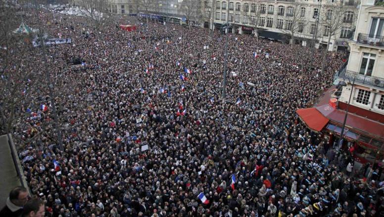 En direct: marée humaine historique à Paris