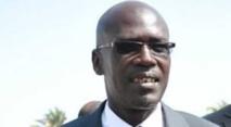 Seydou Gueye tenu en respect par un gendarme