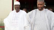 Le nouveau chef du gouvernement malien, Modibo Keïta (G), veut se démarquer de son prédécesseur Moussa Mara (D).