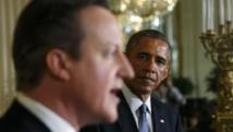 Le Britannique David Cameron (au premier plan) et le président américain Barack Obama lors d'un conférence de presse à la Maison Blanche, le 16 janvier 2015. REUTERS/Kevin Lamarque