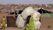 Une femme soudanaise déplacée dans le camp d'el-Facher au nord du Darfour. De décembre 2013 à avril 2014, 3324 villages ont été détruits, selon le rapport. REUTERS/Zohra Bensemra