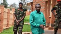 Le général Frank Rusagara (à droite) et le colonel Tom Byabagamba (à gauche). RFI/Bryson Bichwa
