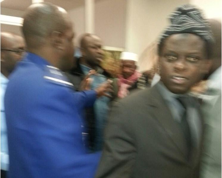Le PDS et ASS-KAW occupent et bloquent le Consulat du Sénégal à Paris