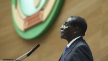 Le président zimbabwéen Robert Mugabe, à la tribune de l'Union africaine, en Ethiopie le 30 janvier 2015. REUTERS/Tiksa Negeri