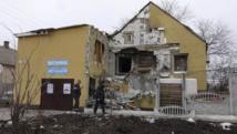 Une maison dévastée par les bombardements, à Marioupol, le 26 janvier 2015. REUTERS/Nikolai Ryabchenko