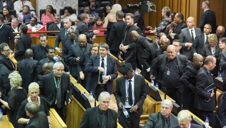 Afrique du Sud: Jacob Zuma chahuté pendant son discours annuel