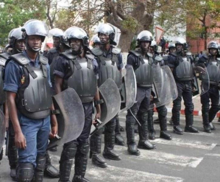 """""""Force restera à la loi"""", (ministère de l'Intérieur)"""