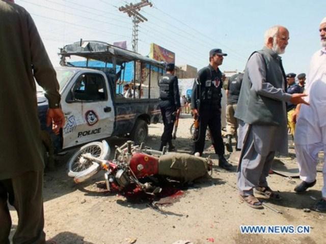 Pakistan: au moins deux policiers tués