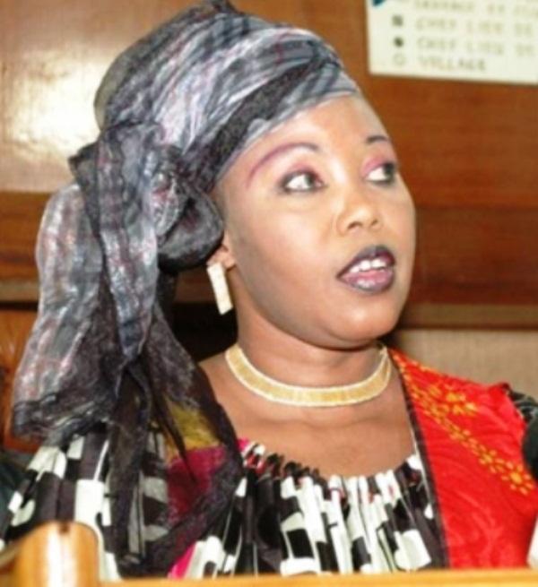 """Awa Diop aux leaders de BBY: """"Il n'appartient pas au président de continuer ou d'arrêter la traque"""""""
