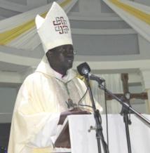 Messe chrismale: Mgr Benjamin Ndiaye dénonce les pratiques abusives d'onctions d'huiles