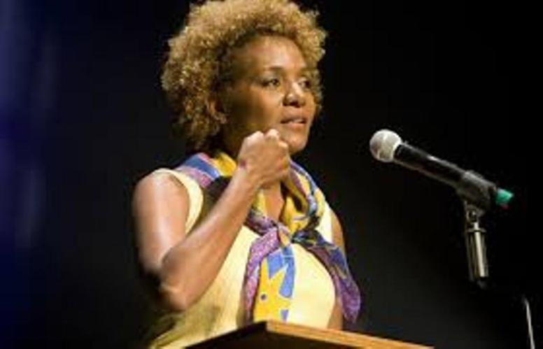 Attaque  à l'université de Garissa au Kenya, Michaëlle Jean condamne