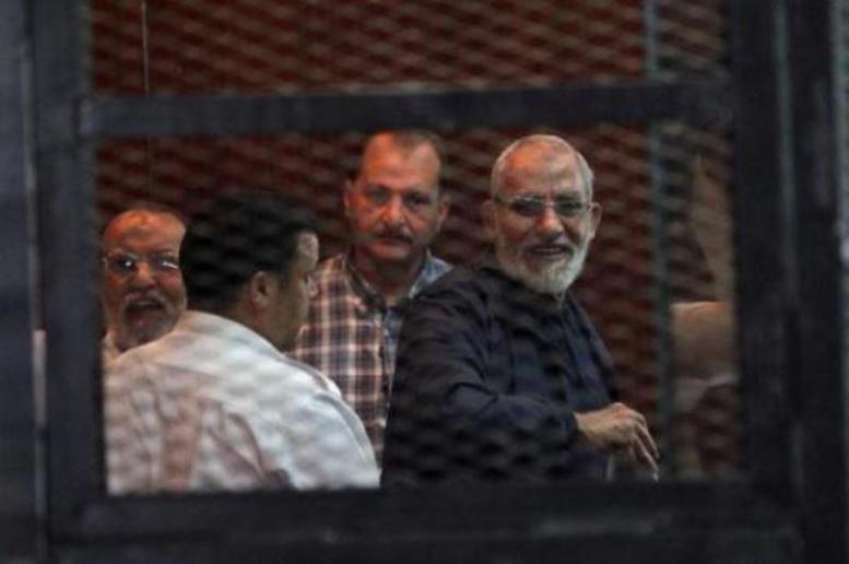 Egypte: peine de mort confirmée pour le chef des Frères musulmans Mohamed Badie et 11 co-accusés